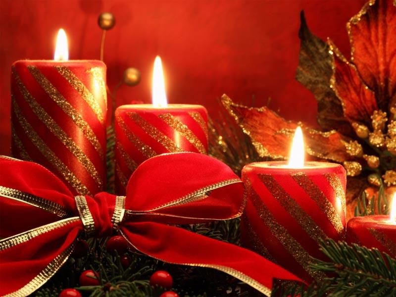 Immagini Di Candele Natalizie.Candele Di Natale Il Martino