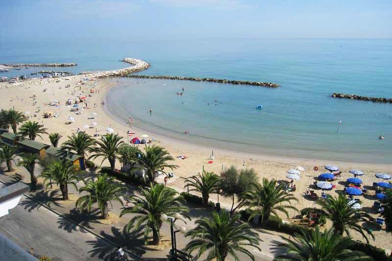 martinsicuro spiaggia lungomare villa rosa stagione esercenti