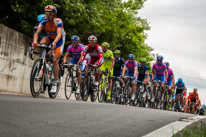 Tirreno-Adriatico, Alaphilippe davanti ai velocisti nella tappa di Jesi