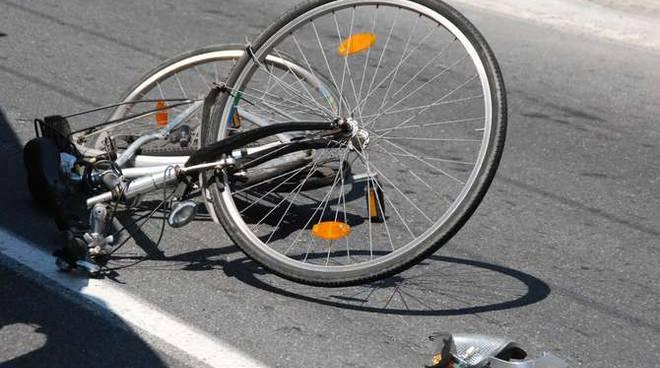 Auto pirata travolge ciclisti, pirata della strada bloccata a Porto Sant'Elpidio