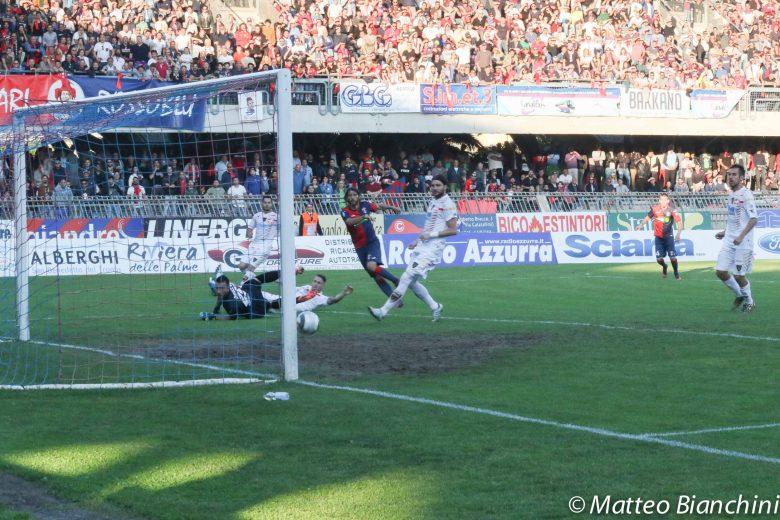 21 maggio 2017. Samb-Lecce 1-1. Andata del secondo turno PlayOff. Il vantaggio rossoblù con Leo Mancuso al 2° minuto della ripresa. (Foto Matteo Bianchini).
