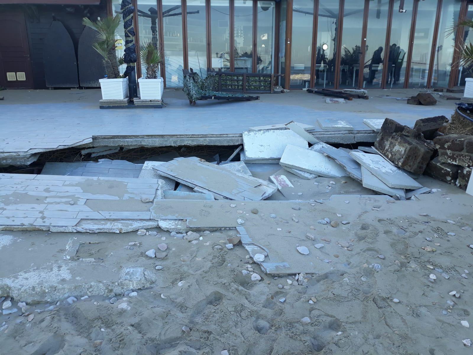 danni mareggiata costa Abruzzo