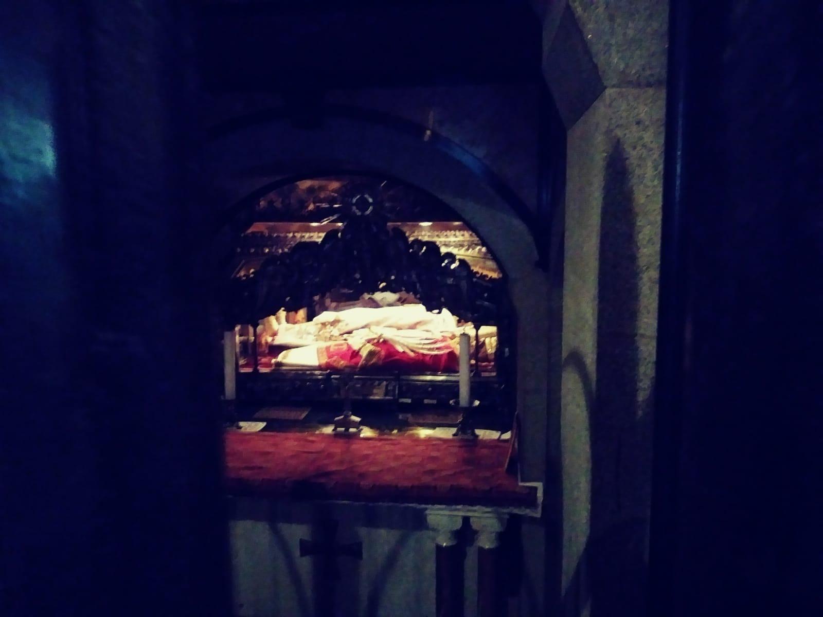 Foto di Valentina Fagnani. Milano, chiesa di Sant'Abrogio - cripta -: tomba di Sant'ambrogio, e dei martiri Gervasio e Protasio (Il Martino - ilmartino.it -) M'Art - Arte e cultura