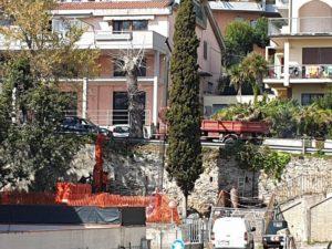 Grottammare, scalinata via Toscanini. lavori in corso (Il Martino - ilmartino.it -) .