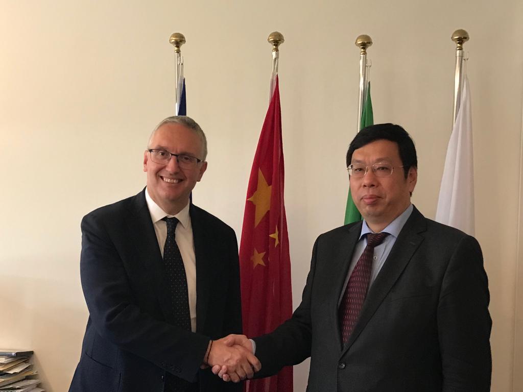 Luca Ceriscioli e il Console Generale della Repubblica cinese a Firenze Wang Wengang (Il Martino - ilmartino.it -)