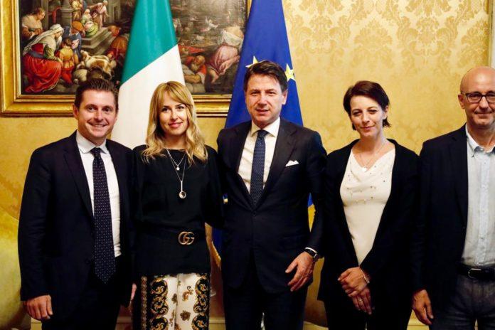 Sindaco Marco Fioravanti - On. Giorgia Latini, Rachele Silvestri e Roberto Cataldi - Presidente Giuseppe Conte (Il Martino - ilmartino.it -)