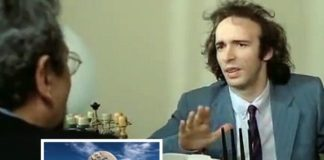 Benigni in una scena del film 'Tu mi turbi'. Grottammare (Il Martino - ilmartino.it -)