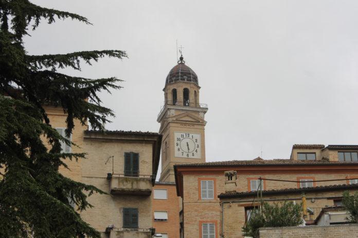 Macerata, Torre civica (Il Martino - ilmartino.it -)