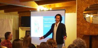 """Primo Pierantozzi durante il seminario """"La Tua Mente di Successo"""""""
